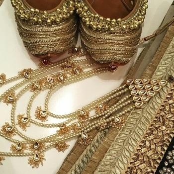 #roposo#footwear#punjabijutti#pakistanifashion#love-photography#jewellery