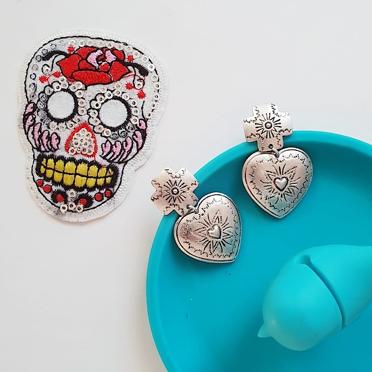 Cross my heart and Hope to Buy! ♥ 🛒 http://bit.ly/2u9N2FX . . . . . #theredbox #crazysexycool #heart #cross #crossmyheart #earrings #heartbeat #hope #hopes #buyer #earringstagram #instagramtags #blu#instashopper #silverjewelry #silver #instadaily #instacute #styleinspo #streetstyle #fashionstyle #shop #shoppings #styleinspiration #shopsmallbusiness #fashionblogger #fashionstylist #buynow #trendhunter