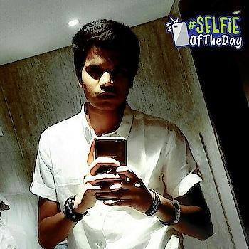 #ahmedabad #selfie #mirrorselfie #selfieoftheday #men #menwillbemen #ahmedabadfashionblogger #ahmedabad_instagram #streetwear #fashion_mode #fashion #ahmedabadblogger #india  #instagram #roposo #party #gujarat #men-fashion #selfieoftheday