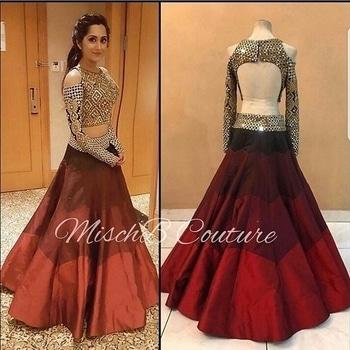R1060 Mehroon Lehenga Lehenga fabric : twill silk with inner,{semi stitched} Top : heavy Bangalori silk with dori work {unstitched}   #wedding-lehnga #lehega #lehengasaree #lehengacholi #mehroon #onlineshoppingindia