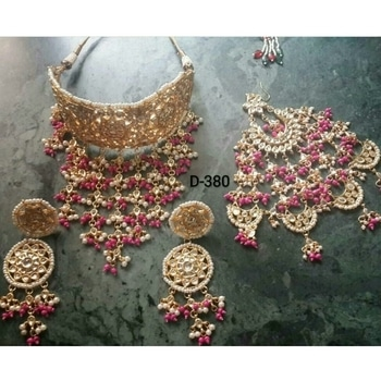 Kundan Choker Necklace  💞 Bridal And Semi-Bridal Necklace 📿  💎💎💎💎💎💎💎💎💎💎💎💎 °Manufacturer Of Kundan Jewellery° ✓All The Kundan Jewellery Pics Posted On The Page Are Always Available ✓  °Everything Is Made On Order° ✓Any Colour Can Be Customised As Per your Preference✓ ✓contact - 9999274651✓ °Contact For Wholesale Jewellery° °Join us as a reseller° ✓whatsapp 9999274651 for enquiries and placing Orders 💎💎💎💎💎💎💎💎💎💎💎💎  #kundanjewellery #Bridalset #bridalwear #semibridal #chokerstyle #heavywork #pinkngolden  #newarrival #passa  #kundanjadau #Indianjewellery #traditionaljewellery #weddingjewellery #weddingseason #kundannecklace #Golden #allaboutjewellery #Newdesign