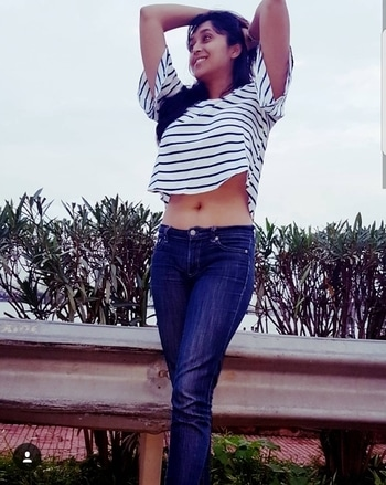 Good morning instafam!! Negativity is sneaky. It's a fresh day. Don't let any bad vibes creep in!! Be the best of u 😉🥂 . . . . Flaunting my newest cold shoulder, bell sleeved crop top from #ruhaans @myntra.... posing like I couldn't care less at #bandraworlisealink #myntraendofreasonsale #eors #shopping #shoppingspree #thursday #gypsysoul #beauty #fashionblogger #lifestyleblogger #bloggerlife #potd #ootd💗 #croptop #coldshoulder #bellsleeves #trendy