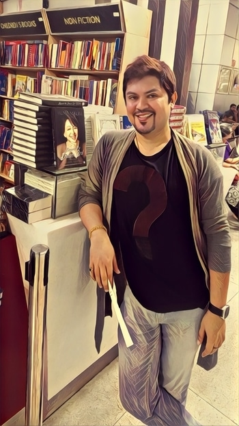 #artist #impression of #me at #bookstore #airportlook #shruglove #books #beyondthedreamgirl #hemamalini