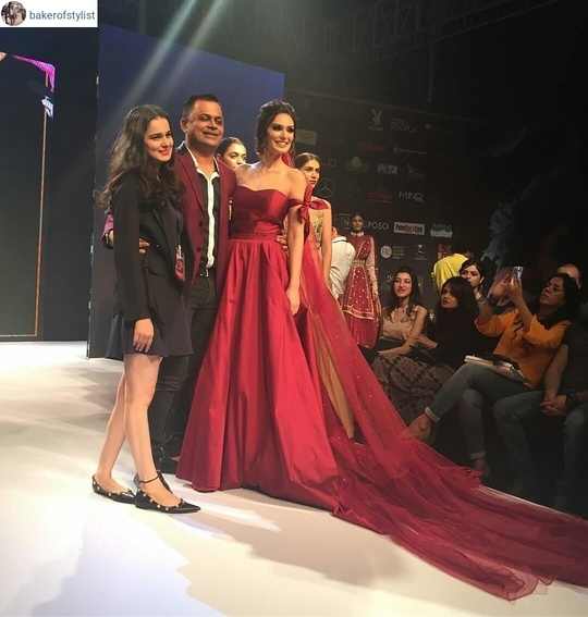 Actor #brunaabdullah closes the show for @labelnityabajaj along with @badalsaboo from @pune_fashion_week looking drop dead gorgeous in this dream gown #EzRepost @bakerofstylist with @ezrepostapp  Super stunning collection by @labelnityabajaj  at #PuneFashionWeek. Show Stopper @brunaabdullah killed the show with this gorgeous outfit!! 😍😍 #MakingPuneFashionable#LabelNityaBajaj#PFW2016#roposolove @roposolove @pune_fashion_week