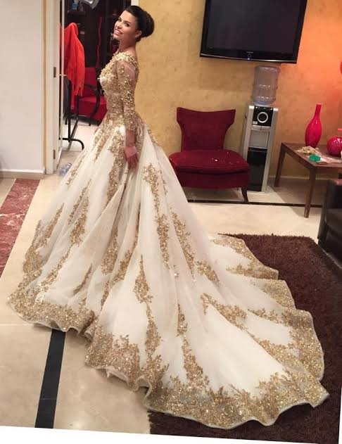 so as we know that this is wedding da season... so here is a most classy and trendy suggesion for the girls #roposogal #talenthuntroposo #talenthunt #talenthuntroposovotes #women-fashion #fashionables #fashion india #fasionstyle #classy #fashion week       #fashion show           #fashion islam #in fashion 💖 #roposotalks #roposotalenthunt