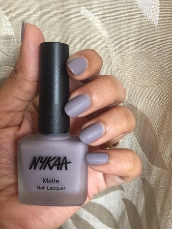 First time trying matte nailpaint @mynykaa & just fell in love ❤️❤️ with shade blueberry frosting #mattenails #matte #mattefinish #nykaa #nails #love #indianstyle #fashion #bblogger #instablogger #beauty #makeupjunkie #mumbaiblogger #mumbaikar #style #intrend #makeup #indianyoutuber #nailpaint