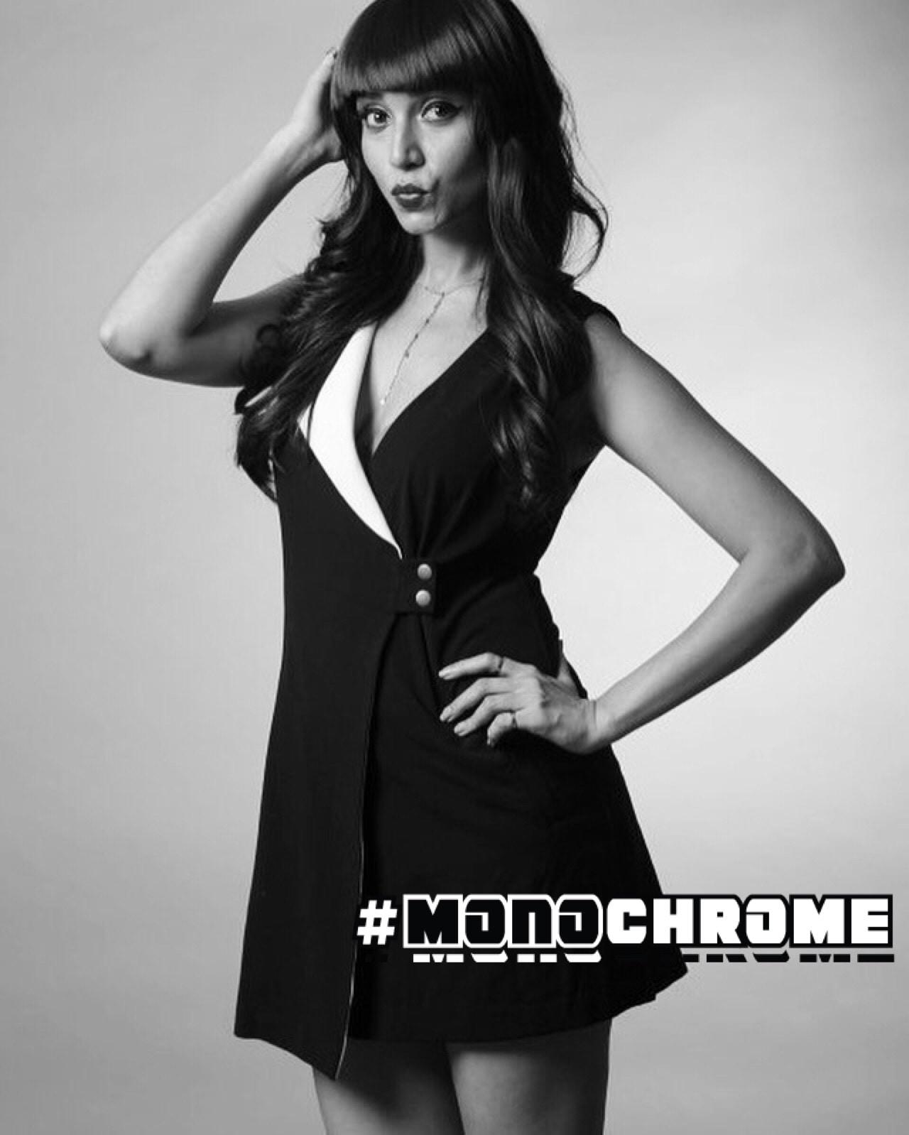 #monochrome