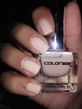 Always a fan of Nudes 💅🏻 This is from @lovecolorbar @colorbar  & its called #baby Code #11 #colorbarbaby #11baby  With Flash 💡 #colorbarnails #nudenails #nudenailpolish #nailpolishswatch #polishswatch #nailpolish #nails #bblogger #beautyblogger #nailblogger #nailsblogger #nailblogs #nailblog #blogs #blog #nailiesbyarushi 💚 #nailcolour