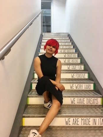 These stairs define us ;) #prifreebee #toscana #redhead #haircut #hairstyle