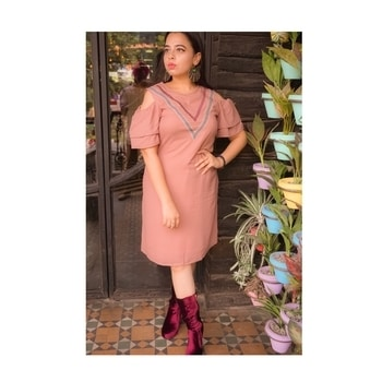 Summer loving and autumn calling in this #awesome dress from @iknow #shopmylook  #ootd #iknowcovergirl #aw2017 #whatiwore #fashion #trend-alert #fashionstylist #online-shopping  #international