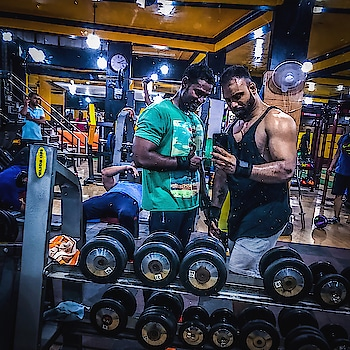G Y M B R O  I R O N L I F E S T Y L E  #beardman #followmetofit #ironlifestyle #leangains #followmeformore #colorsoflife #gymselfie #gymmotivation #iphonephotography #fitnessmodel #likeforlike #followforfollow #generationiron #irontalks #gymbuddy #fitlust #gabru #gabruchannel