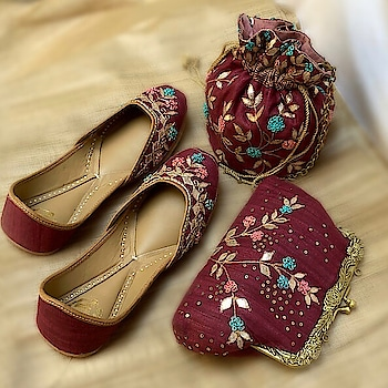 Featuring a pair of #red juttis crafted in khadi silk by Vareli Bafna Designs accented with gota embroidery & French knots. Matching #bags #comingsoon ! Shop juttis: https://www.indiancultr.com/new-arrivals/delicate-beauties-by-vareli-bafna-designs?p=2&trk=hmpg-slider #handmade #handcrafted #India #makeinindia #love #beautiful #footwear #new #neednow #want #onlineshopping #instagood #instalove #instadaily #photooftheday #wow #amazing #designer #traditional #wedding #comfort #newarrivals