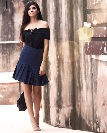 Black and Blue! 💃🏻 #DelhiFashionBlog #PersonalStyle #Dailyoutfitinspiration #DelhiBeautyBlogger #DelhiLuxuryBlogger #LuxuryBlogger #DelhiTravelBlogger #GlobeTrotter #DelhiStylist #DelhiLifestyleBlogger #OOTDinspirations #SoloTravelBlog #AboutAlook #lookbook #instastyle #stylish #streetstyle #fashionista #fashionblogger #instafashion #ootd #ipreview #Plixxo #PlixxoBlogger #PlixxoByPOPxo @popxodaily #Indianchic #KiranKhokhar  🌎 www.indianchic.in ▶️ Kiran Khokhar 👻 Kiran Khokhar