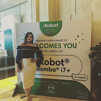 @irobot launched its home appliance product smart vacuum cleaner in India.. . . What I wore  Offshoulder top & skirt- Insence Boot @la_briza . . #indianfashionblogger #fashionblogger #delhifashionblogger #techevent #ootd #