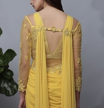 Spring/Summer 2017 takes fashion back to re-defining a confident look with detailing,embellishments, and sunshine yellow color. #ss17 #nowavailable #springsummer #2017 #getitnow #betheforstone #designer #couture #kamaali #lovefordetails #designerlove #kamaalicouture #mint #shopnow #happyshopping
