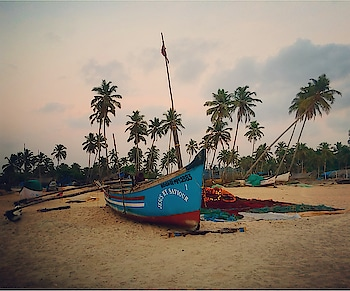Sussegaad ! Goan for take-it-easy 😀. Much like the picture here, laidback, peaceful, pleasant!! No wonder you feel relaxed as soon as you enter Goa. #goadiaries #beachlife #beachplease #goa #gogoagone #incredible_india #iphonephotography #travelblogger #indianblogger #mumbaiblogger #boats #landscapephotography #wanderlust #travelersnotebook #storiesofindia #roposotraveldiaries #roposotimes #roposo-pic #soroposoblogger #soroposoblog #soroposolife
