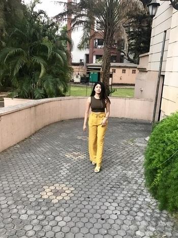 Make your life a story worth telling😊 . #mondaymorning #mondaymotivation #story #blogger #dentist #india #bloggerstyle #wiw #ootd #life #inspiration #streetstyle #mustard #fashionista #fashiondiaries #lookbook #love #keepcalm #delhi #mumbai #pune #photography #classy #strongwomen #stylista #style #ootdmagazine #india #beauty #fashionblogger #candid