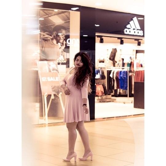 Pink is always a good idea 💡   http://bit.ly/ADAYATSEASONS  #stylegram #lifestyleblogger #wildberrychild #beautybeyondsize #fashion #fashionblogger #fashiongram #fashionpost #curves #curvy #curvesahead #bodypositivity #jj_bodybeautiful  #styleblogger #style #styleinspo #ootd #ootdfashion #pinkdress ##effyourbeautystandards #plussizefashion #plussizeblogger #plussize #plusisequal #curvywomen #jetsetter #potd #fashionist #aboutalook