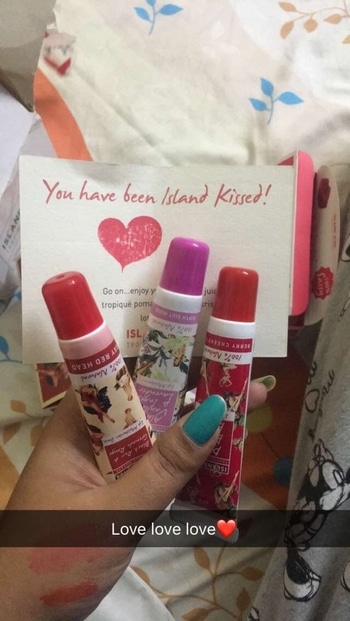 Received these beauties from The Island kiss!👄 Product review soon!!! #perksofbeingafashionblogger#goodies#gifts#lipcare#lipbalm#reviewblogger#fashionblogger#soroposo