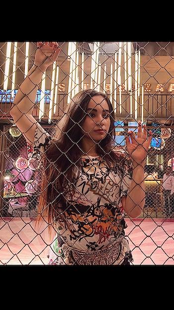 C A G E #girl 💕 #proneeta #proneetaswargiary #shootmode #ektohkumzindagani