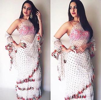 Saree with frills..!!  #Trend#fashiontrend#fashiondiva#sareewithfrills#frillsaree...!!🤗