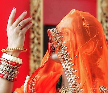 Making this dance video on Padmaavat Ghoomar song turned out to be one of the best decisions I ever made!! I hoped it to do well but never ever imagined that it would cross 1 Million views!! Currently standing at 1.6 Million views and counting and I am now ready to make more dance videos! Wish me luck guys!! 😃😍 Click the visit blog button to watch the dance video! . . . . #padmaavat #padmaavati #ghoomar #ghoomardance #ghoomarsong #dancevideo #choreography #traditionaldance #rajasthanidance #rajputidance #rajputs #rajputana #rangeelorajasthan #bikaneri #gurgaonblogger #delhiblogger #rougepouts #dancer #1millionviews