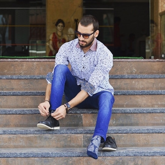 Well shoots are always fun and hectic both . Posing, styling , getting clicked is something that we enjoy , but the best pics are when your photographer clicks a candid pic and you look great in it . . . . Shirt - @mr.dandy_darji . . . . . . #delhiblogger #menswear #fashionblogger #fashionista #fashionmen #fashonable #fashionista #fashionmagazine #fashionblogger #indianfashionblogger #indianstyle #sporty #summerlook #delhiblogger #mensfashion #mensweardaily #menfashionblogger #delhigram #instafeed #follow4followback #like4like #sexy #aashnamalani #koovsxyou #customclothing #crispshirt #paisley