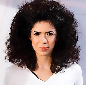 #hairstory of #models I never understood No One will backcomb their hair to this extent and walk around as a normal person then why does it become a ramp look 🙄 #bighair #backcomb #runwaymodel #hairstyle #wildhair #SuchetaSharmaJames 😜♥️♥️♥️