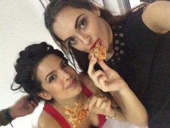 Dominos pizza lovers hahah! #ontheset #dominospizza 🍕🍕🍕🍕🍕