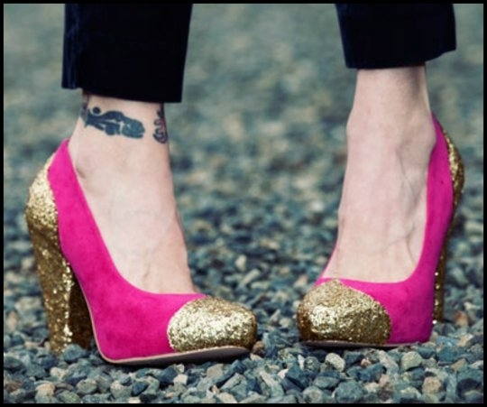 DIY: Glitter Shoes!