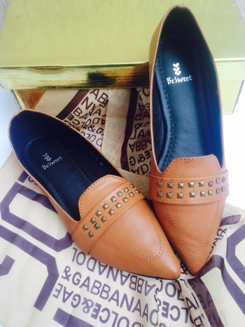 #Official23 #loveforshoes #similar #shopping #shop #fashion #style #shoes #stylish #plimsoles #oxford #tanshoes #photography