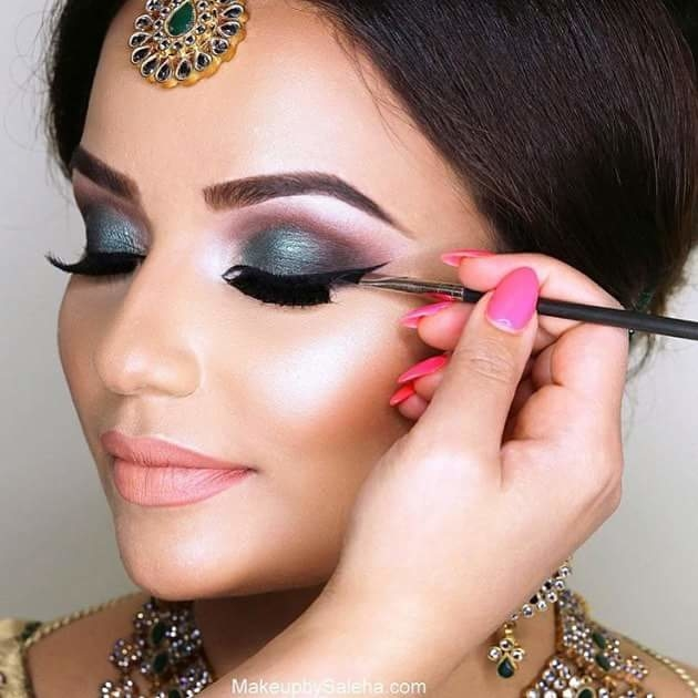 How to Apply Makeup on Indian Women  LEAFtv