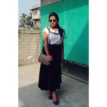 #trendalert #marksandspencers #maxiskirt #casualtop #slingbag #clubmaster #shades #blackpumps  #monochromelook #summerfashion #fashionmusthaves #ootd #roposodairies