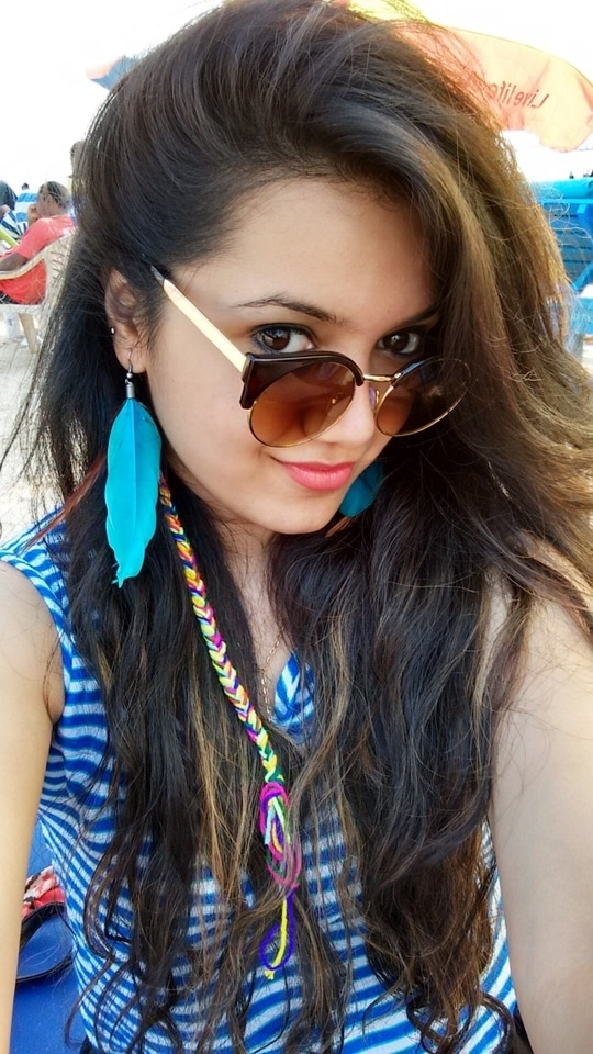 Mood : Beach Vacay 🏖👙  #braids #beachbum #vacation #beachwear #ootd #sunglasses #featherearrings #ombre #ombrehair #vacay #summer #ss16 #soroposo #roposolove