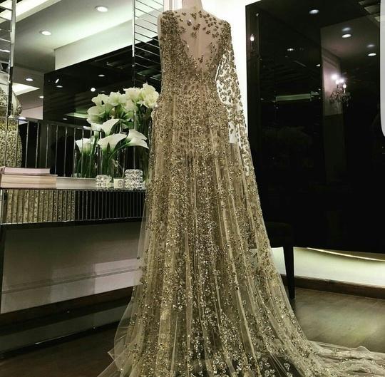 Aliyounus couture. Beautiful dress. 😍😍