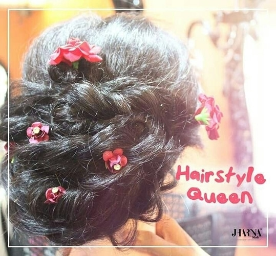 Get new trendy and lovable hair as well as learn different techniques in curls, braids, bun and many other varieties of hair styling by the professionally trained hairstylist at Jharna Shah Academy and Salon. For more details contact us on:7506 812 909 / 2610 2100