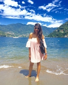 Clear Skies & Happy Faces Make My Day! Finally Back To Delhi, Won't Stop Spamming You Guys With Pictures!😍❤️🙈 #ootd #love #nature #comolake #italy #travel #styleonwingstravels #europe #love #followme #styleonwings