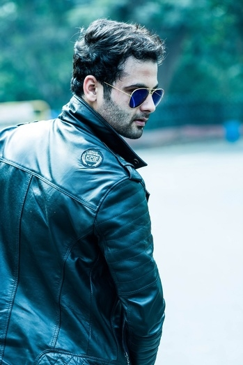 Simplicity. The ultimate sophistication  #fashion #love #sexy #me #Model #aviators #bangalore #bangaloremodel #Follow2Follow #Followme #rohitbhatiaofficial #black #leather #jacket  #casualwear