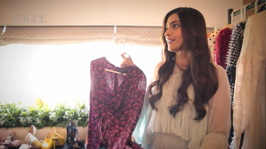 Want to Know What Sonam Kapoor's Fav Dress Is?!