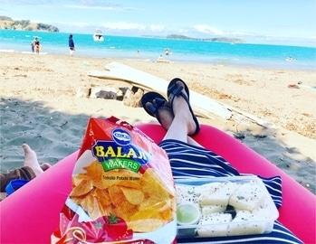 Being typical gujjj! #beinggujju #gujjjgirl #beingdesi #gujjuinnz #newzealand #nzbeaches #foodandbeach #desifood #weekendvibes #holidayfun #foodandfun #sundayfunday #beachbum #eat #pray #love #live #laugh #stayhappy #stayclassy #stayhumble #stayblessed #foodfashionandfunwithsonal