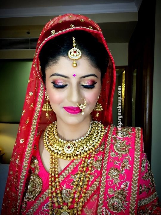 Another one of the Beautiful bride I posted yesterday! Loved her glittery pink eyes! Makeup by Parul Garg: contact 9599588312 #makeup