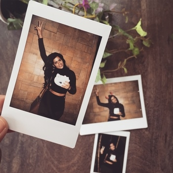 Wearing all black at the launch of Fujifilm India's  Instax mini 8 joy box !! Absolutely loving these instant fun photographs ❣ . . . . . #polaroid #instax #FujiFilm #instantpics #fashionblogger #bangaloreblogger #fashionbloggers