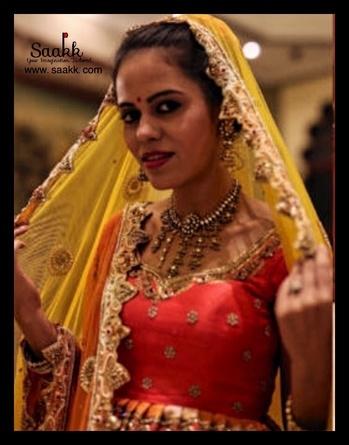 Only ever wear clothes that make you feel like doing a small Dance. #customisedclothing #shadiseason #bridetobe #peplum #bridallehenga #doubledupatta #banarasilehenga #kinkhab #saakk #saakkbysakshi #saakkyourimaginationtailored