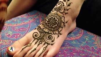 Latest Bridal Mehndi (Henna) Design for feet, karwa chauth special - mantra  #awesomelook #fashionmoments #streetstyle #girls #beauty #fashion #fashionista #Mehndi #MehndiDesign #Henna Simple mehandi designs