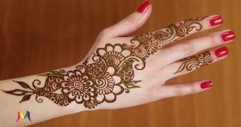 Latest Beautiful Eid Mehndi (Henna) Design for Back Hand - mantra #awesomelook #fashionmoments #streetstyle #girls #beauty #fashion #fashionista #Mehndi #MehndiDesign #Henna Simple mehandi designs #followme