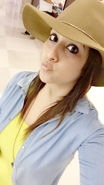 When it comes 2 me , i prefer to look cute either Classy 👈 #classy #cute #hat #forever21 #blackeyes #pout #poser #lovemyself #himachali #pahadanfactor #i #me #myself
