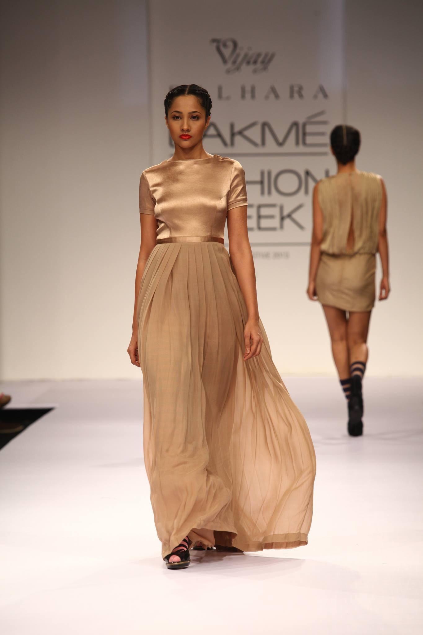 Roposo - Fashion & Lifestyle Inspirations - Magazine cover