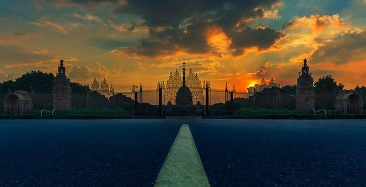 #presidenthouse #delhi #goldenhour #sunset  #_soi #_soidelhi #streetofindia  #lonelyplanet #global_hotshotz #igersmood #globalshotz #ig_great_shotz #specialshotz #special_shotz #igphotoworld #ig_india #delhigram #dfordelhi #sadidilli #dilli #marvel_shots #marvelshots #moodygrams #beautifulplace #architecture #flavorsofdelhi #delhiphotography #photography