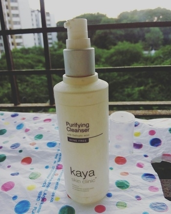 A perfect mild cleanser for acne prone combination skin from Kaya skin clinic. Review up on the blog. Link as below