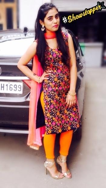 #ethniclove#desi#brightcolours#happiness#jhumki#bindi#highheels#loveme❤️ #showstopper